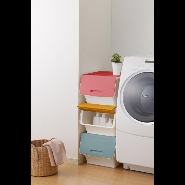 洗濯機横の空きスペースに彩りを