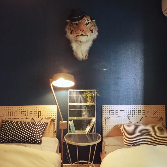 アイデア次第でベッドルームの雰囲気が変わる!ヘッドボードのコーディネート実例11