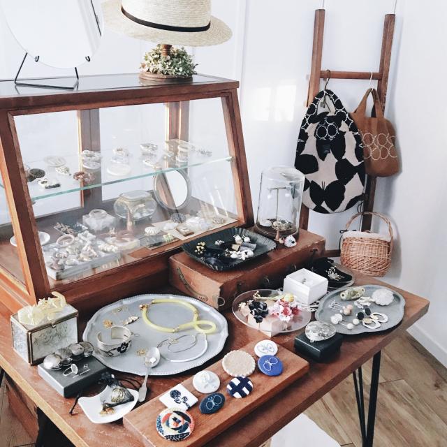 愛情と思い出がつまった宝物♡コレクションは見せる収納で