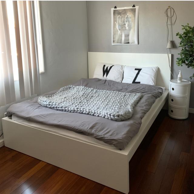洗練された寝室に♪ベッドまわりはIKEAでコーディネート