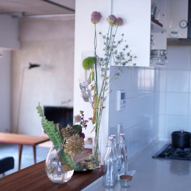 キッチングッズの代わりに花を〜脱キッチン感