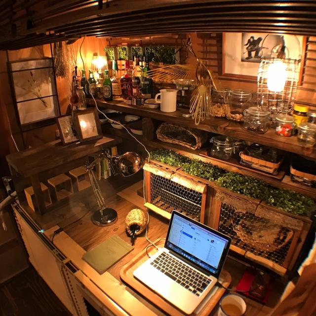 DIYで別空間に♡工夫とアイデア満載の押し入れ活用法10選