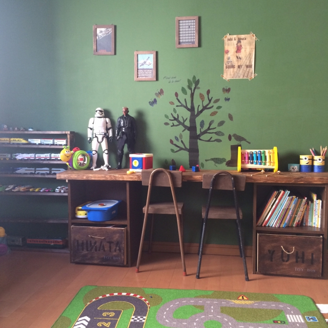 成長に合わせて変えられる♪かっこよすぎる子供机DIY by anz00さん