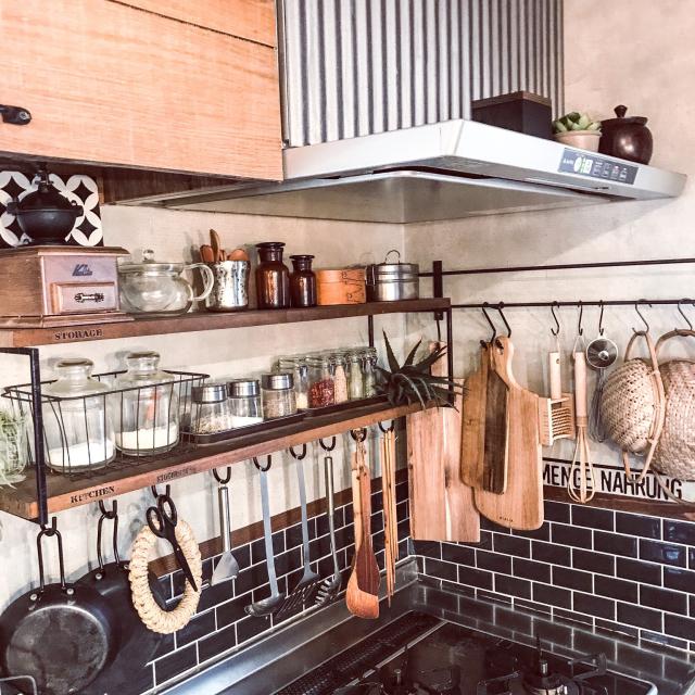美しく、使いやすく整える。キッチンツールの壁面収納術