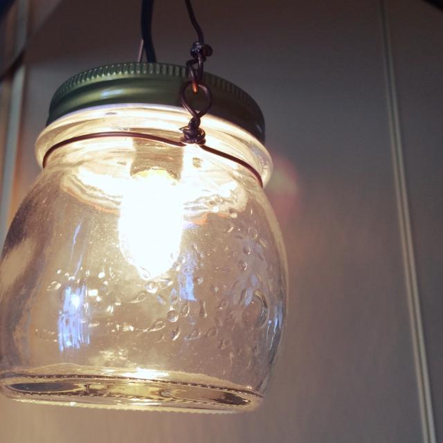 ぷっくりとした丸みが可愛い瓶ライト