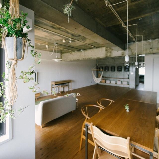 「憧れたのは倉庫のような空間。日の光と開放感を楽しむ日々」 連載:リノベじゃなきゃ、ダメでした。by 704さん