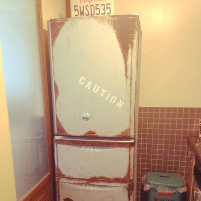ペイントで冷蔵庫を変身