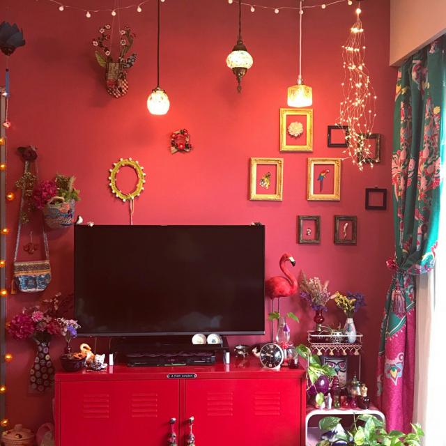 赤はエネルギッシュな色★赤を効果的に使ったお部屋