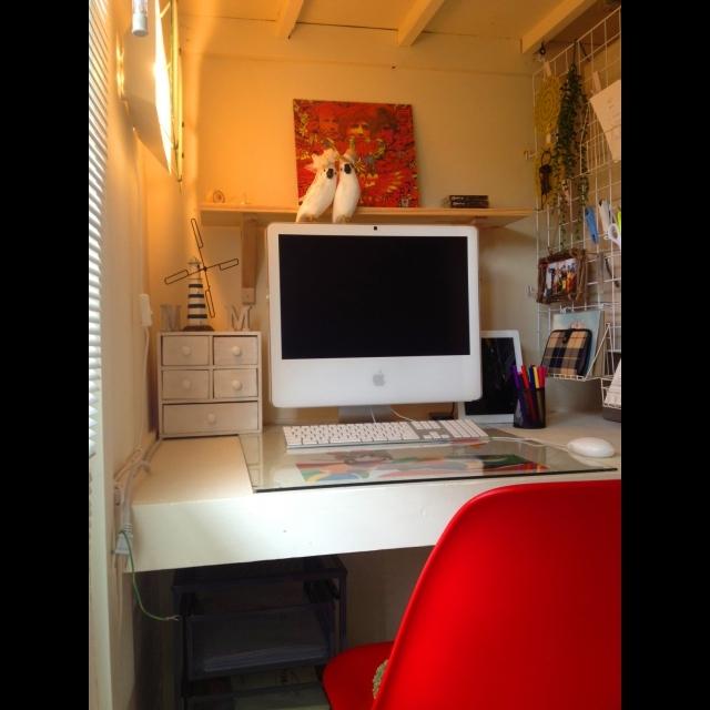 押し入れの一部に組み込んだパソコン用デスク
