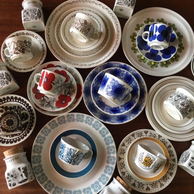 生活に寄りそう美しいデザイン!食卓を彩るARABIAの食器