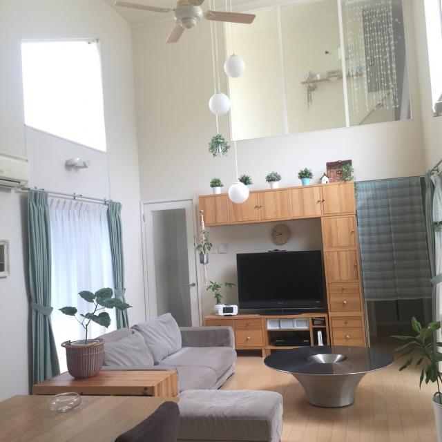 リラックスムード満点!IKEAのテレビ台で作る快適空間