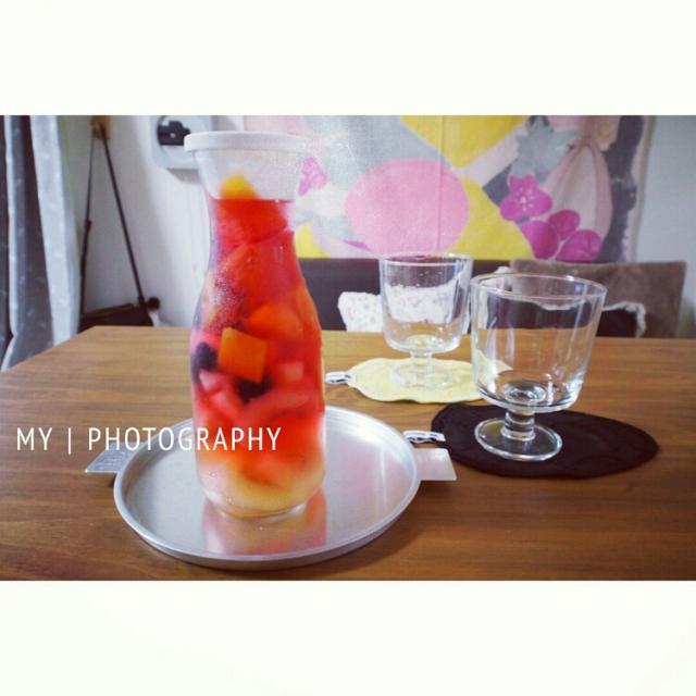 グラス(イイホシユミコ x 木村硝子)はプレーンでクリーン