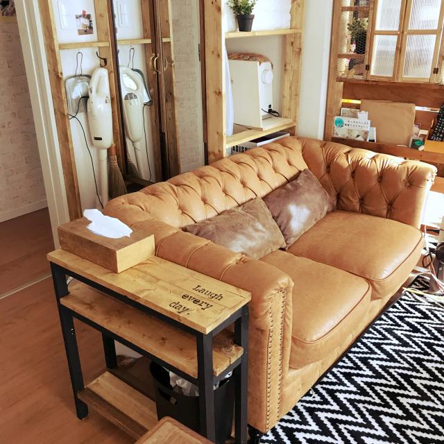 リビングや寝室で!手軽に試せるサイドテーブルのDIY