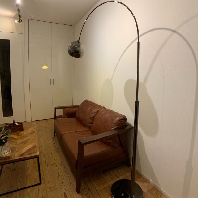 「25.5m2。視線誘導が巧みな、木×金属で織りなすモダン空間」 by SUZUQNETさん