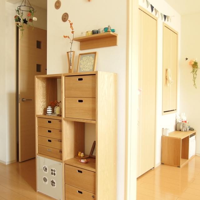 壁面大型家具にもなるスタッキングシェルフ