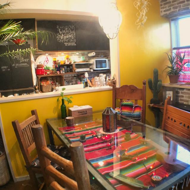 色と暮らす♪カラフルな布と雑貨でメキシカンなインテリア