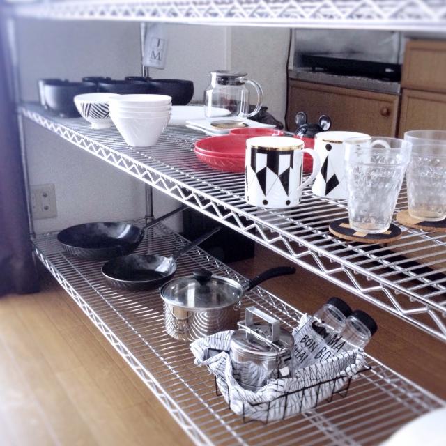 スッキリ快適!キッチンのミニマル収納術
