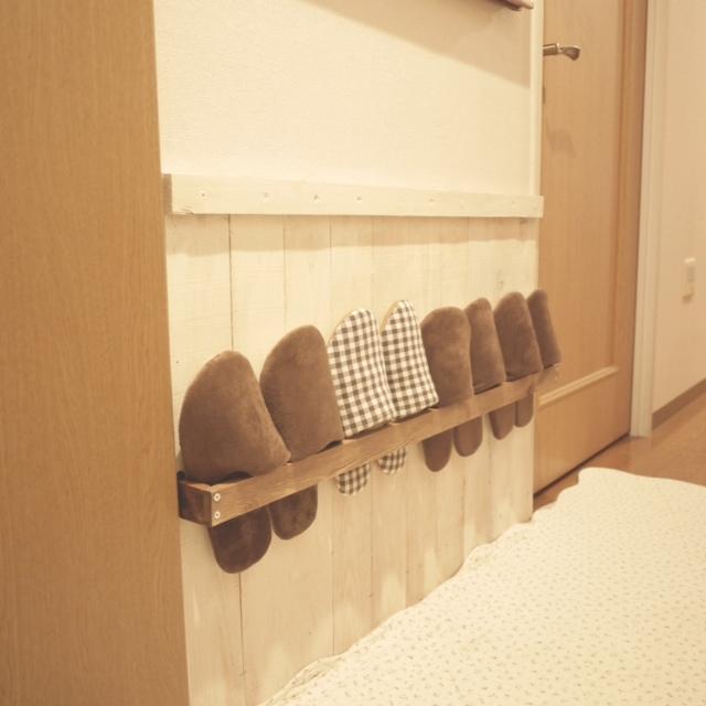 狭い玄関も壁にすっきり収納