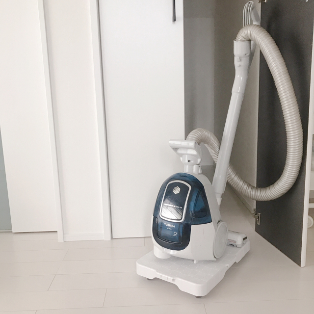 我が家の工夫♡使いたい時にすぐ出せる掃除機の収納場所
