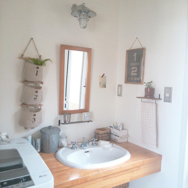 壁掛けレターポケットを洗面所の収納に活用