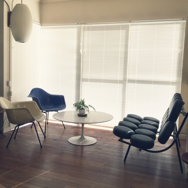 こだわり家具で大人カフェ