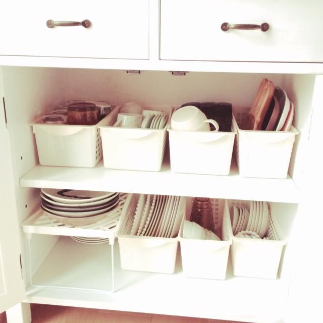 大きくて場所を取りがちな「お皿」の収納アイディア