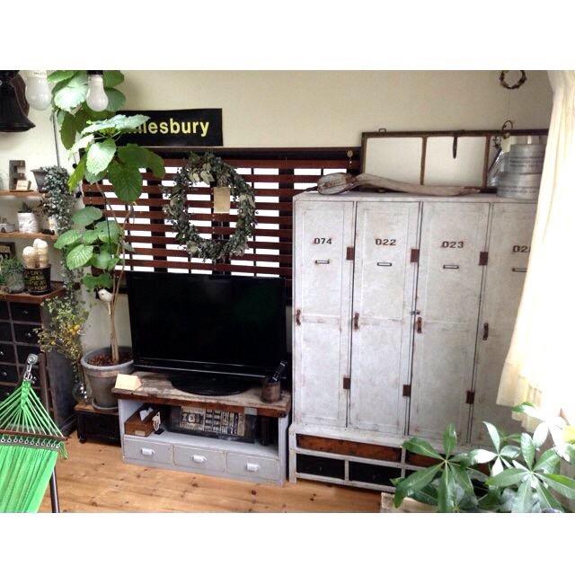 佇まいで見せる収納家具!sansankikiさんが選ぶ、憧れのDIYロッカー風収納 [まとめ人: sansankikiさん]