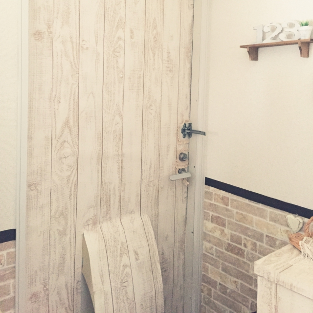 毎日通るドアをリメイク&DIYでスペシャルな通り道に!