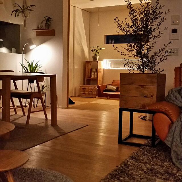 灯りはお部屋のエッセンス☆消した姿も美しいニトリの照明