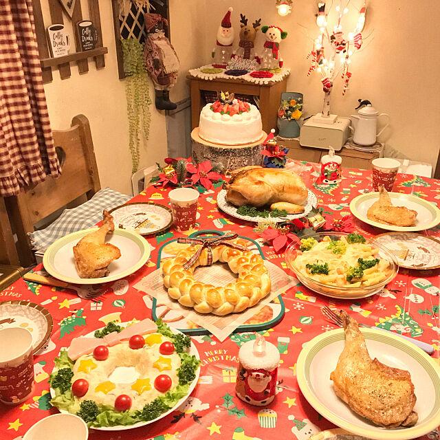 今日は特別な日☆クリスマスの食事が映えるテーブルコーディネート