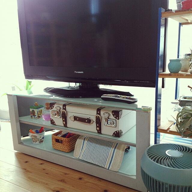 視線を集める場所だからこそスッキリと!タイプ別で見るテレビ台の収納方法