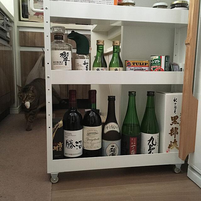 おうち飲みを楽しく快適に♪意外とかさばるお酒の収納アイディア
