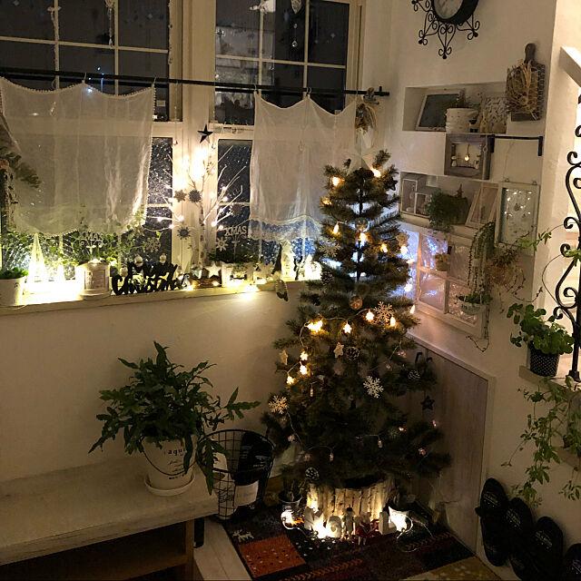 いろんな場所に飾りたい☆省スペースなクリスマスツリー