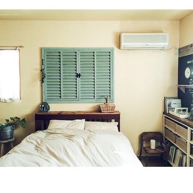 何もない壁面にアクセントを♪ガーデンラティスで作る「なんちゃって窓」by makoroさん