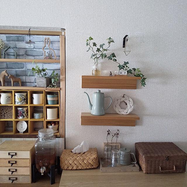 壁面ディスプレイならコレ!無印良品の壁に付けられる家具