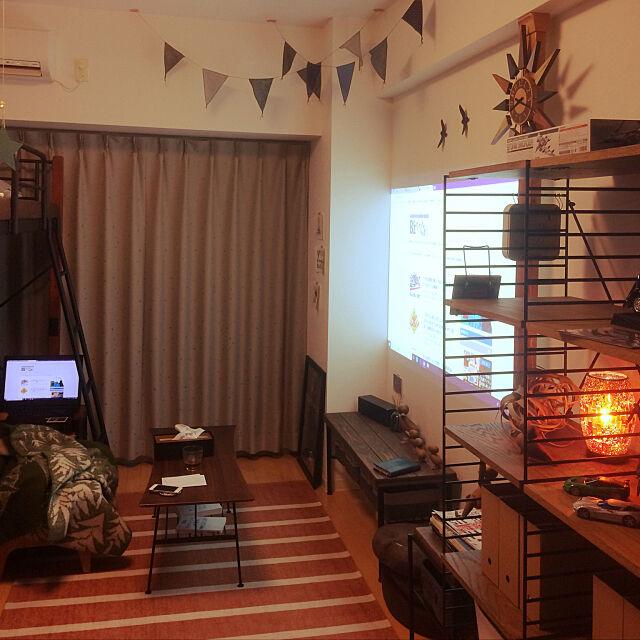 「13m。ホームシアター付き◎好きに囲まれた『秘密基地』」 by kurokuroさん