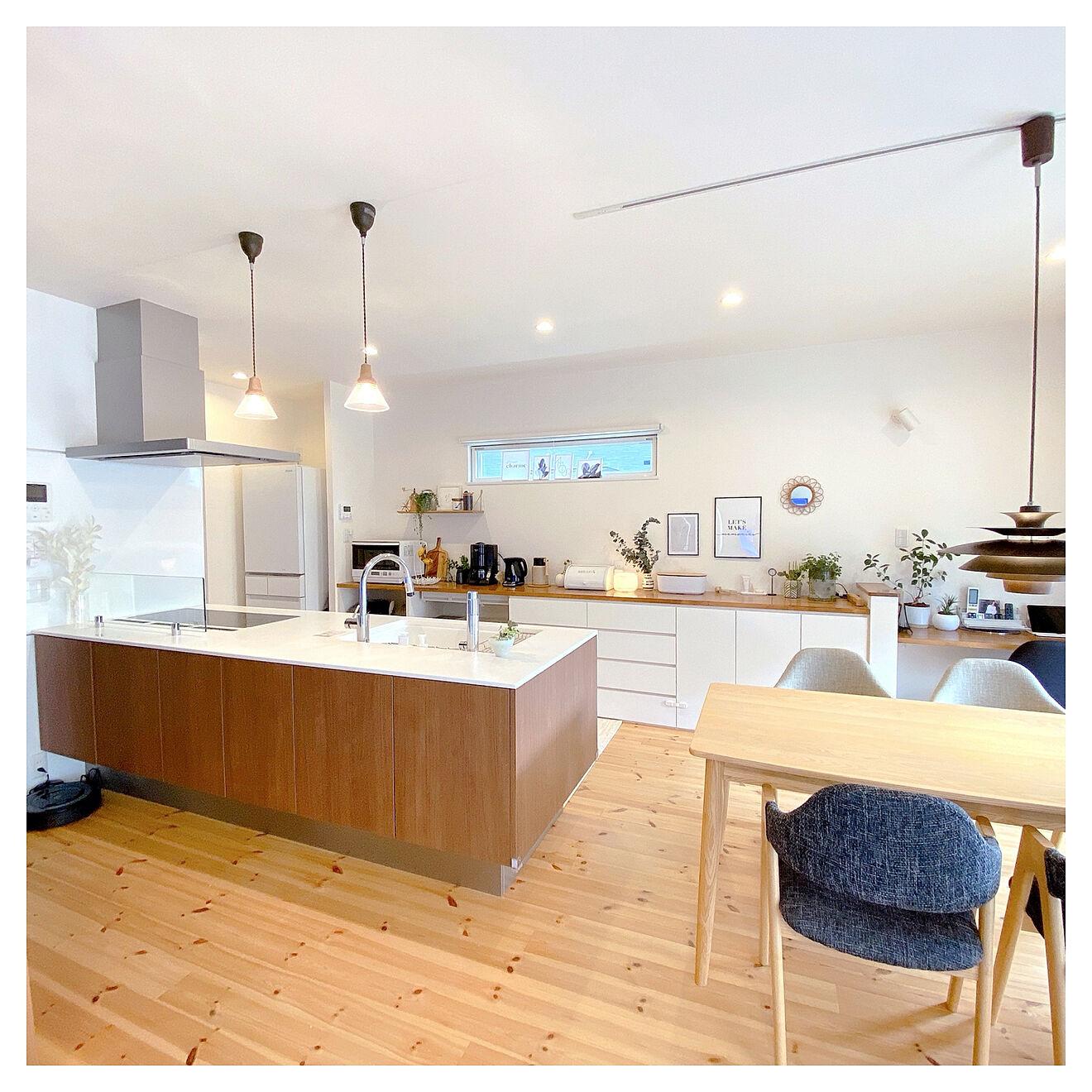 「住まいを見渡す特等席につくった、あたたかみのあるオープンキッチン」 by m__homeさん