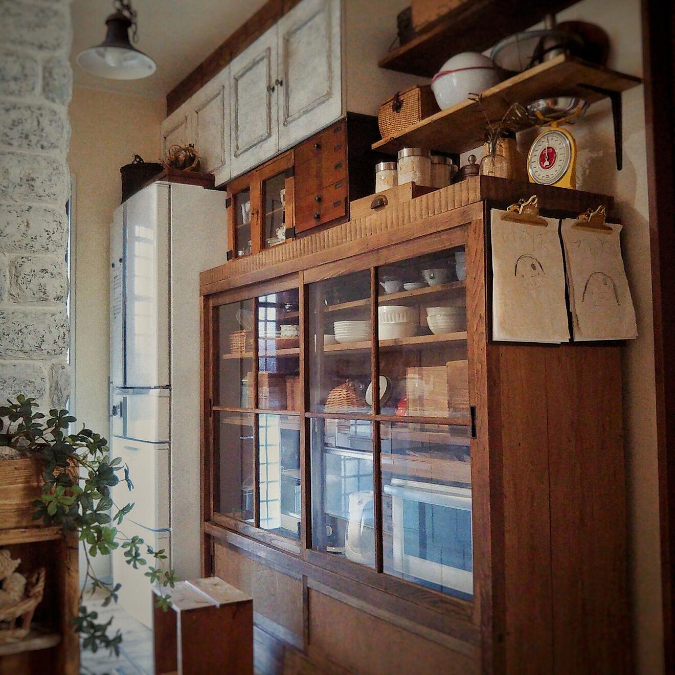 「水屋箪笥が主役!愛着がどんどん沸く、昭和レトロな台所」 by petitesplumesさん