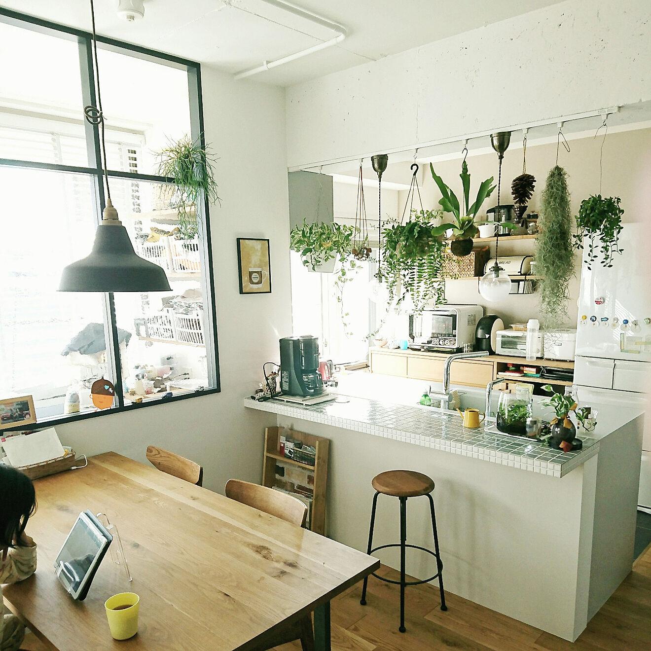 「何をするにも心地良いから、笑顔と緑があふれる明るいキッチン」 by Rrさん