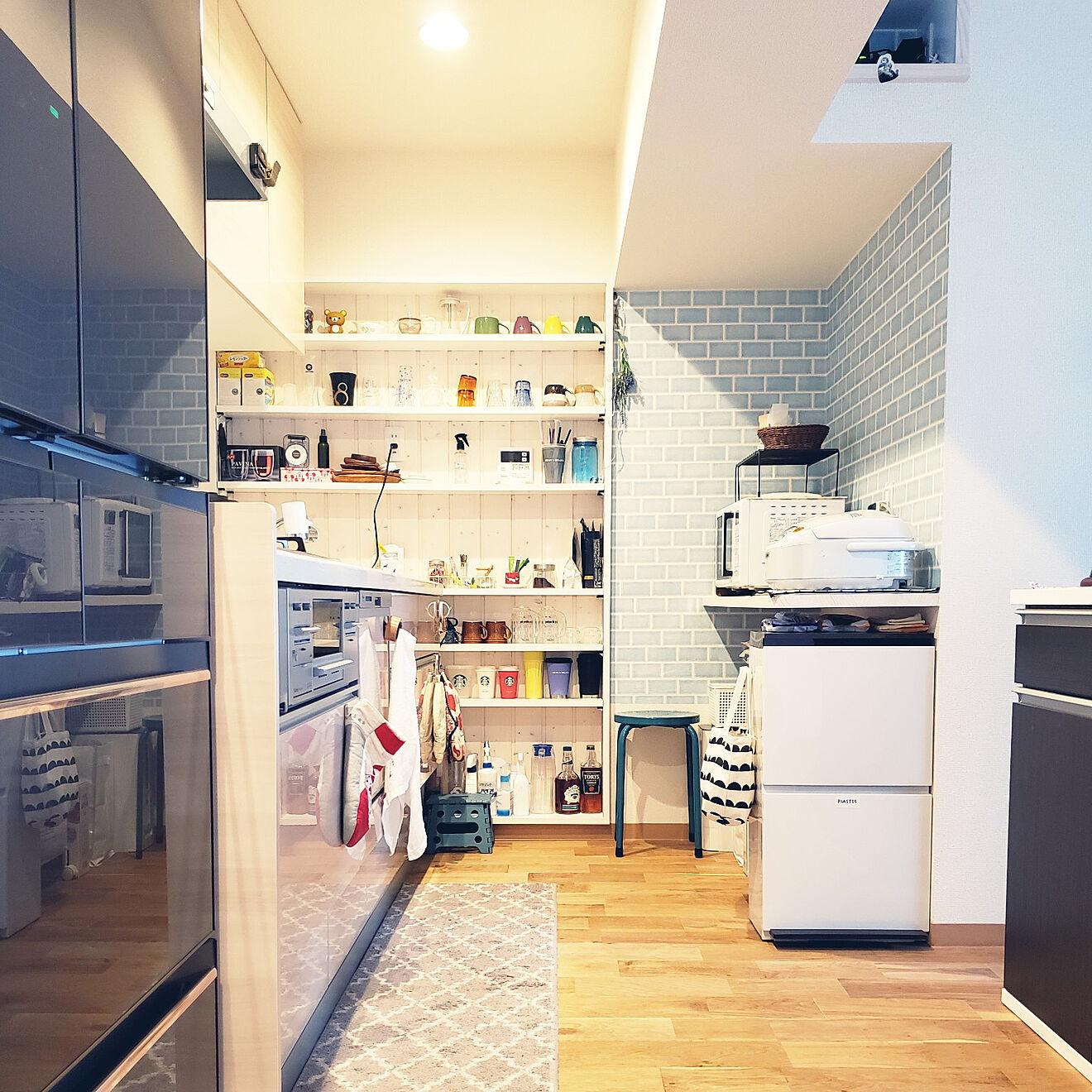 「バーカウンターが良い仕事♪見映えも機能も整ったスッキリ快適なキッチン」 by sanoaさん