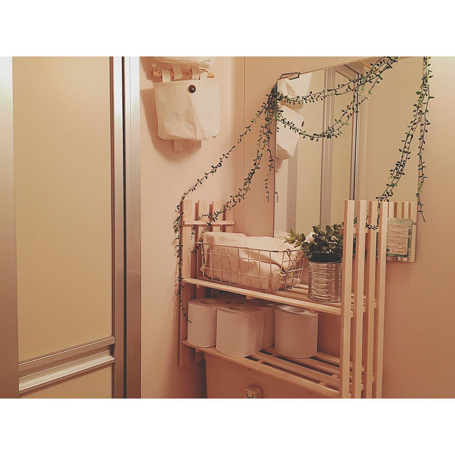 トイレタンクの上に棚を設置