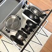 キッチンのタイプ別に使える!フライパン収納のアイデア