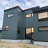 コの字型の家/コの字の家/ガルバリウム/モスグリーンの家/壁/天井のインテリア実例 - 2021-09-22 12:43:11