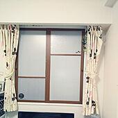ベッド周り/窓ガラス用目隠しシート/プラ段の二重窓/寝室/DIY初心者...などのインテリア実例 - 2021-04-13 20:17:03