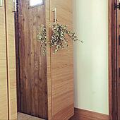 玄関ドア/玄関に花を/玄関ホール/ユーカリシルバードロップ/ユーカリドライ...などのインテリア実例 - 2020-08-08 09:47:18