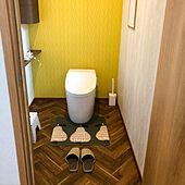 人感センサーライト/少し広めなトイレ/拭けるトイレマット/アクセントクロス イエロー/2階トイレ...などのインテリア実例 - 2020-09-24 09:59:11