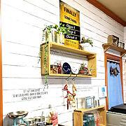 リメイクシート 板壁風/2018.12.19☀️/YORIさんのポスター/minne作品…などのインテリア実例
