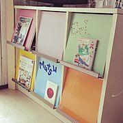 カラフルLOVE♡/DIY/ゴミ置き場から…/ブックシェルフ/ペイントしました♡/My Shelf…などのインテリア実例