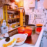 キッチンリメイクシート/料理部/オレンジ/スノコ棚DIY/キッチン雑貨/ル・クルーゼ鍋…などのインテリア実例