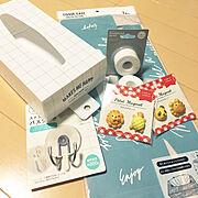 Can Do♡♡/100均/新商品買ったよ!/かにぱんマグネット♡♡/ポンデライオンマグネット…などのインテリア実例